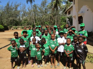 Happy House players get new colours from Dubai Irish