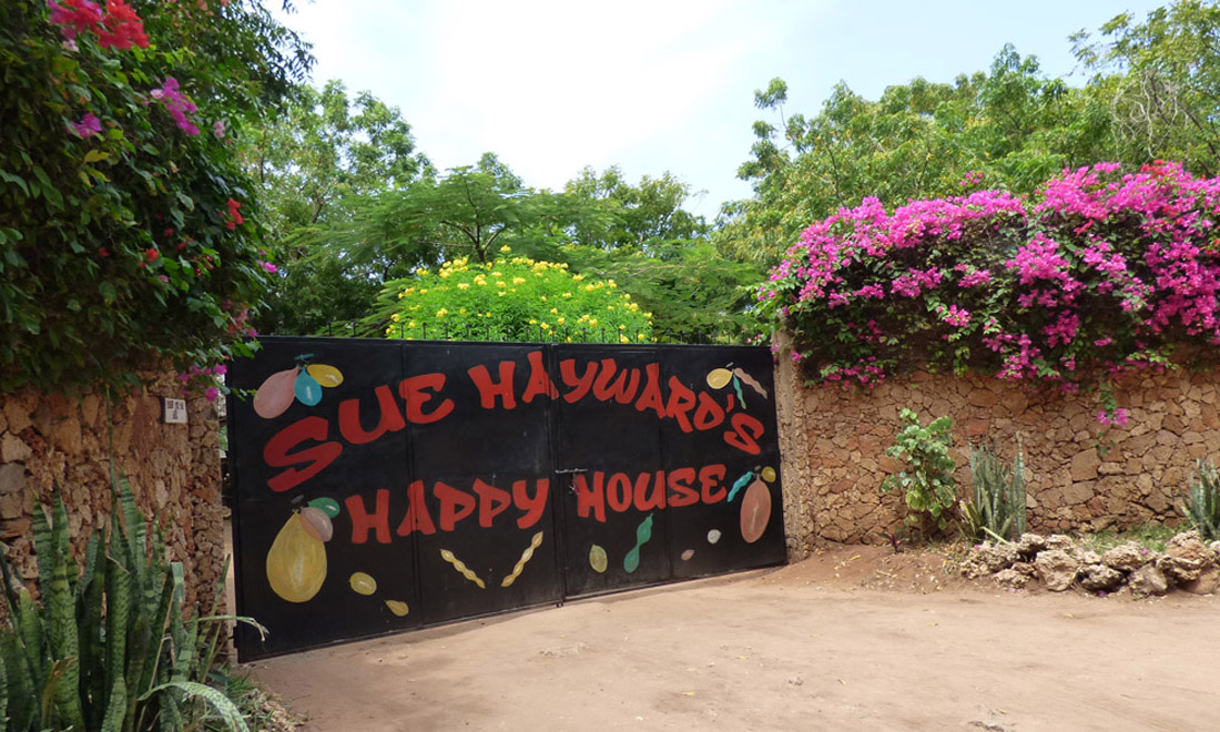 happy-house-gate